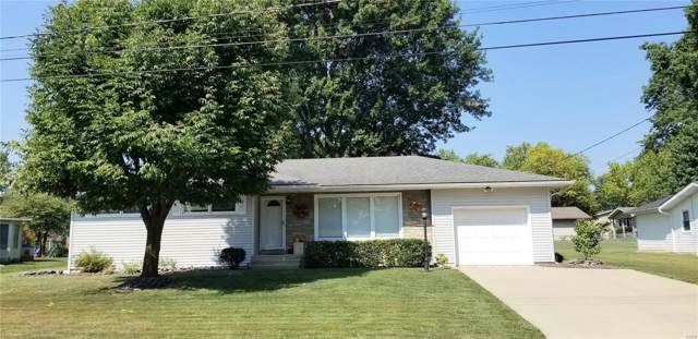 528 W Dolphin Drive, Highland, IL 62249 (#19070282) :: RE/MAX Professional Realty