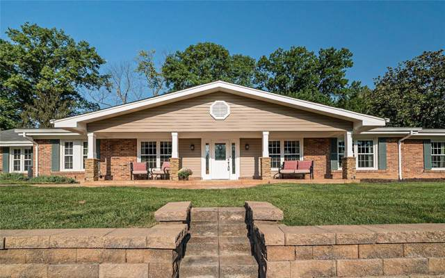 3 Greenbank, Chesterfield, MO 63005 (#19071235) :: The Becky O'Neill Power Home Selling Team