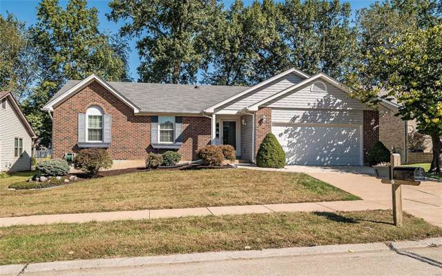 4419 Berkshire Estates Drive, St Louis, MO 63129 (#19075798) :: Clarity Street Realty