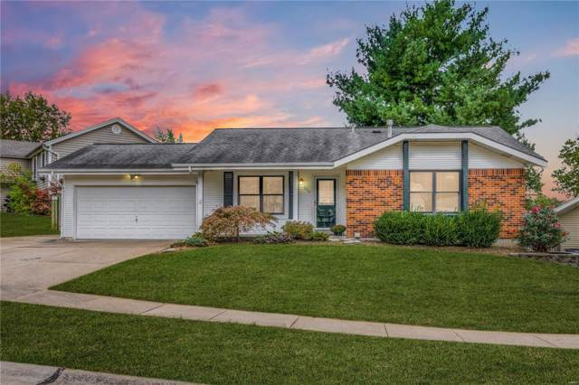 236 Valleyoak Court, Ballwin, MO 63021 (#19075861) :: The Kathy Helbig Group
