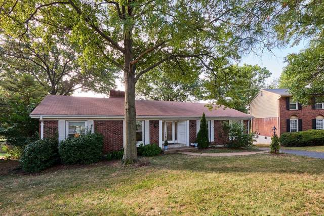 425 Tree Top Lane, Des Peres, MO 63122 (#19076196) :: Kelly Hager Group | TdD Premier Real Estate
