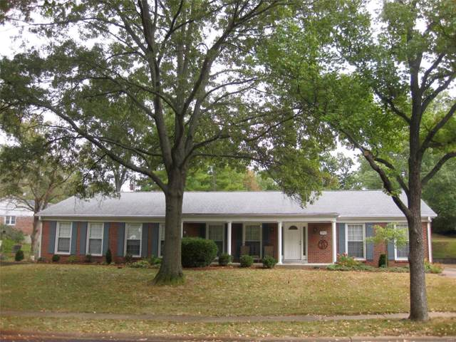 1348 Lockett Lane, Kirkwood, MO 63122 (#19076329) :: Kelly Hager Group | TdD Premier Real Estate