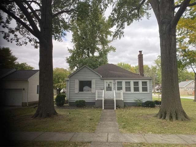 1511 Livingston Street, CARLYLE, IL 62231 (#19076865) :: Sue Martin Team