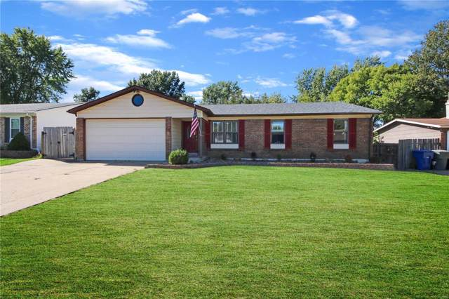33 W Douglas Drive, Saint Peters, MO 63376 (#19076912) :: Peter Lu Team