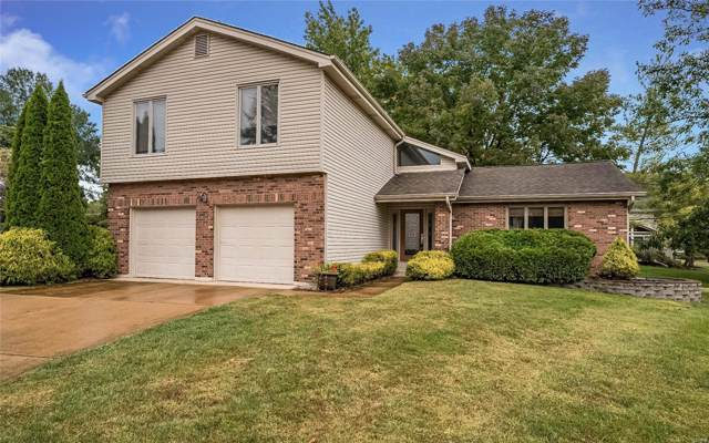 2174 Willow Ridge Lane, Chesterfield, MO 63017 (#19077533) :: The Kathy Helbig Group