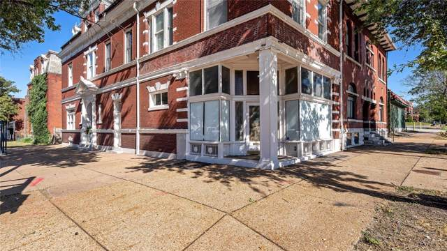 2345 Russell, St Louis, MO 63104 (#19077915) :: The Kathy Helbig Group