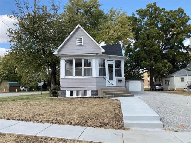 211 E Tremont Street, Hillsboro, IL 62049 (#19078848) :: RE/MAX Professional Realty