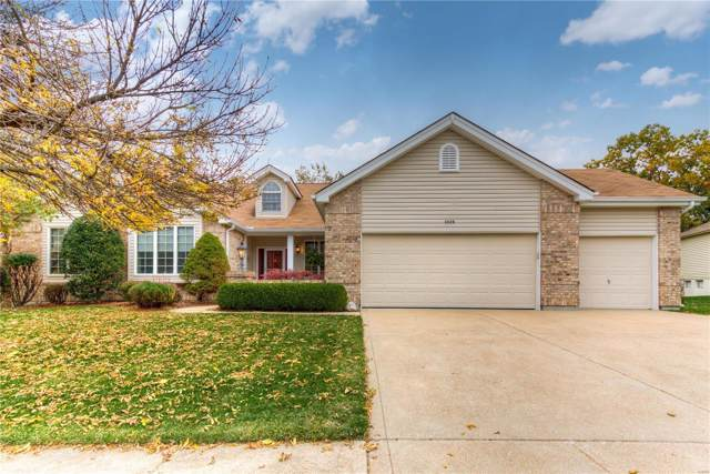 2220 Edge Wood Manor Lane, Wildwood, MO 63011 (#19079212) :: Kelly Hager Group | TdD Premier Real Estate