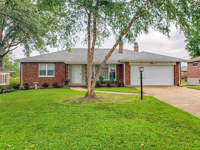 10664 Charrette, St Louis, MO 63123 (#19082359) :: Clarity Street Realty