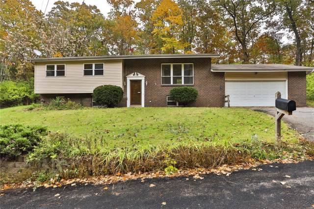 2108 Wildwind, High Ridge, MO 63049 (#19082738) :: The Becky O'Neill Power Home Selling Team