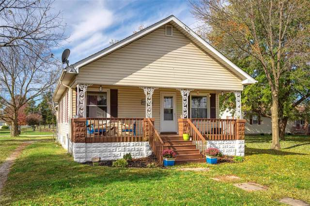 714 Springfield Street, GILLESPIE, IL 62033 (#19083086) :: Clarity Street Realty