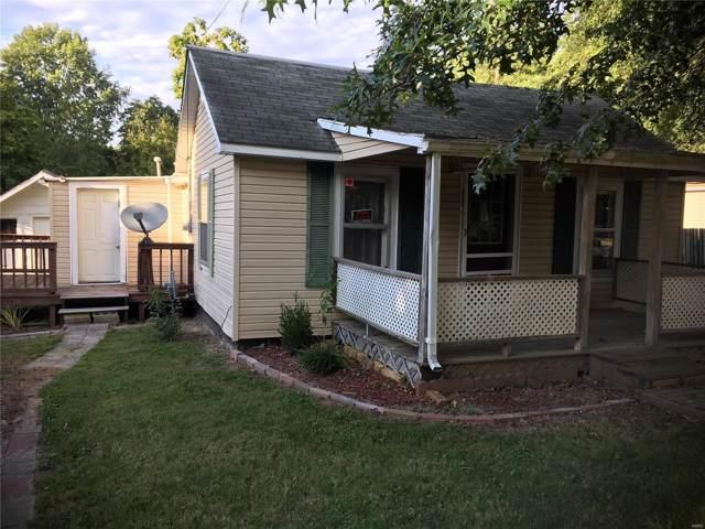 910 W 1st Street, ST ELMO, IL 62458 (#19084065) :: Walker Real Estate Team