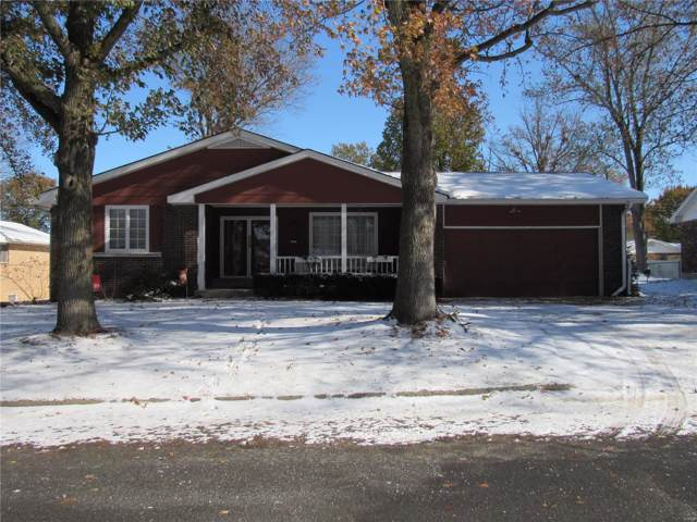 5221 Dover Drive, Godfrey, IL 62035 (#19084310) :: Walker Real Estate Team