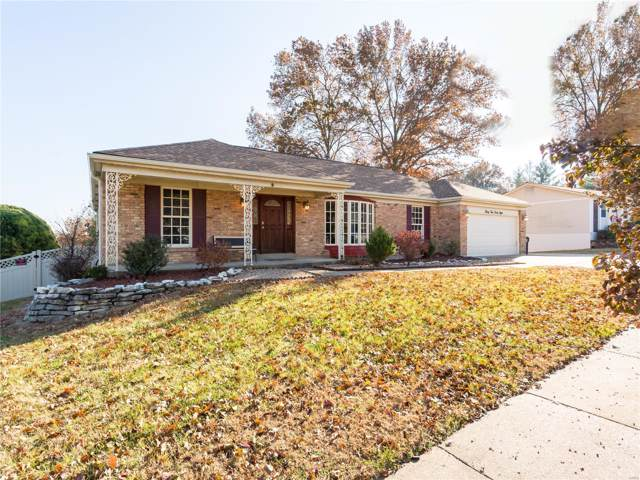 3548 Queens Hill Drive, St Louis, MO 63129 (#19085615) :: Clarity Street Realty