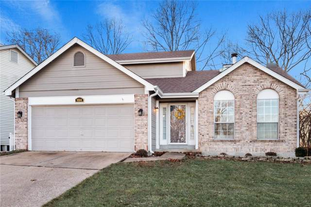 16584 Hunters Crossing Drive, Grover, MO 63040 (#19088781) :: Clarity Street Realty