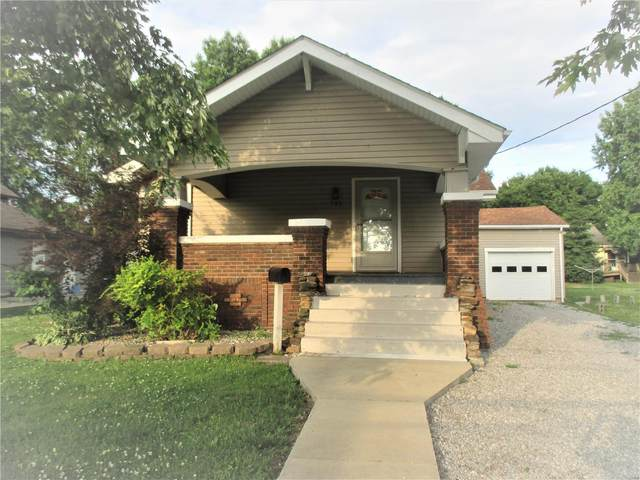 742 S Division Street, CARTERVILLE, IL 62918 (#19090259) :: Fusion Realty, LLC