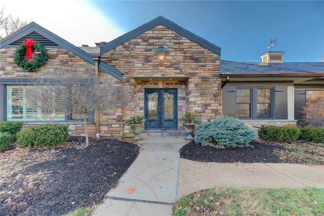 2 Country Aire, St Louis, MO 63131 (#20002235) :: Kelly Hager Group | TdD Premier Real Estate