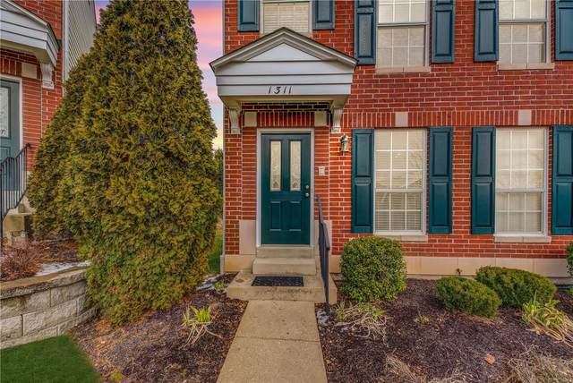 1311 Parkview Estates Drive, Ellisville, MO 63021 (#20008344) :: St. Louis Finest Homes Realty Group