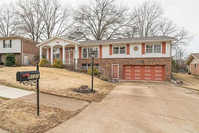 9121 Rusticwood Trail, St Louis, MO 63126 (#20009396) :: Clarity Street Realty
