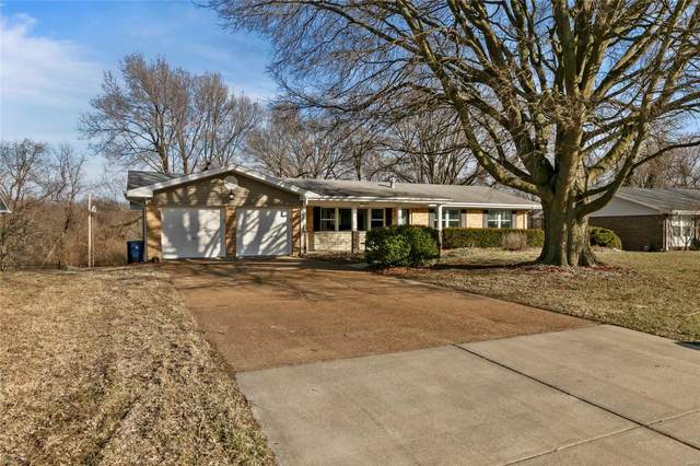 10 N Singing Pines Drive, Florissant, MO 63033 (#20009777) :: Parson Realty Group