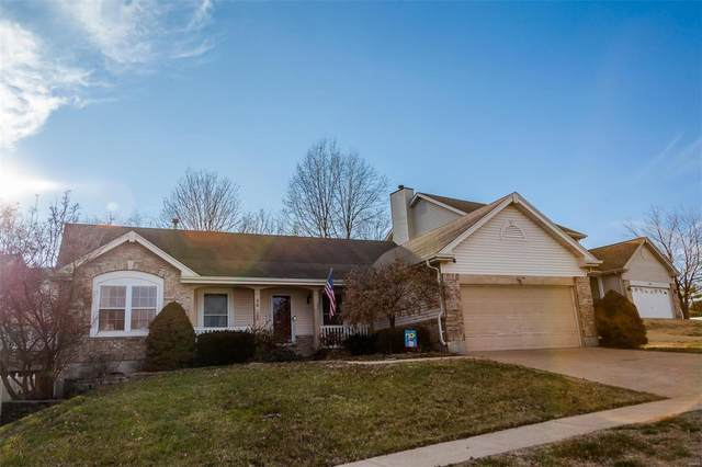 4825 Christoble Drive, St Louis, MO 63129 (#20010511) :: Clarity Street Realty