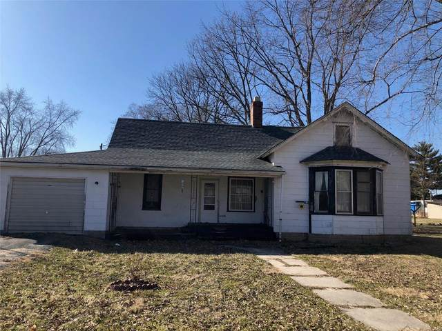 301 S Madison, RAMSEY, IL 62080 (#20011102) :: The Becky O'Neill Power Home Selling Team