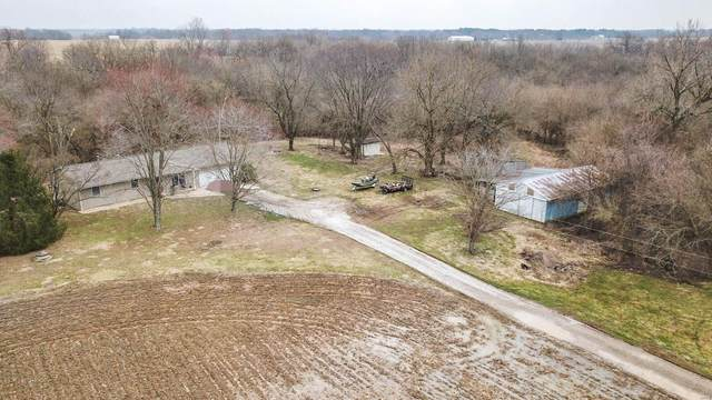 4670 Shipman Cutoff Road, BUNKER HILL, IL 62014 (#20015998) :: Tarrant & Harman Real Estate and Auction Co.