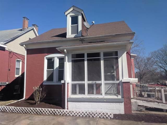 1016 S Charles Street, Belleville, IL 62220 (#20016129) :: Kelly Hager Group | TdD Premier Real Estate