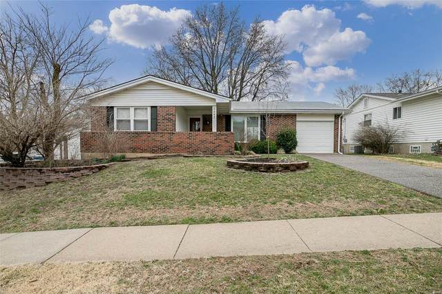 2462 Wesington Drive, Maryland Heights, MO 63043 (#20016268) :: Sue Martin Team
