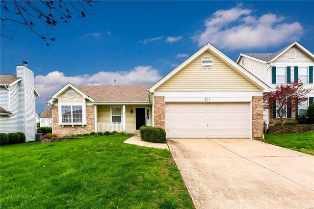 211 Cheval Square Drive, Chesterfield, MO 63005 (#20018207) :: Kelly Hager Group | TdD Premier Real Estate