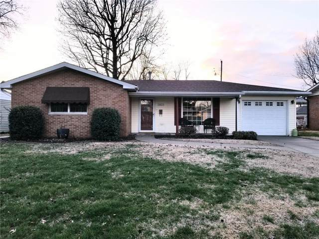 2823 Sunset Drive, Granite City, IL 62040 (#20018721) :: Hartmann Realtors Inc.