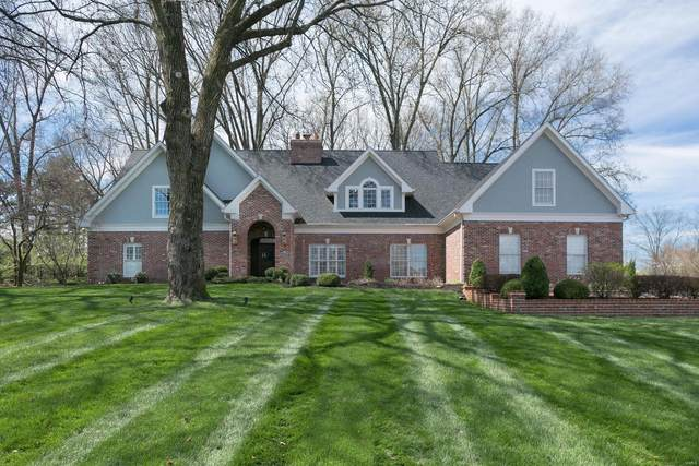 2421 Town And Country Lane, Town and Country, MO 63131 (#20020357) :: Peter Lu Team