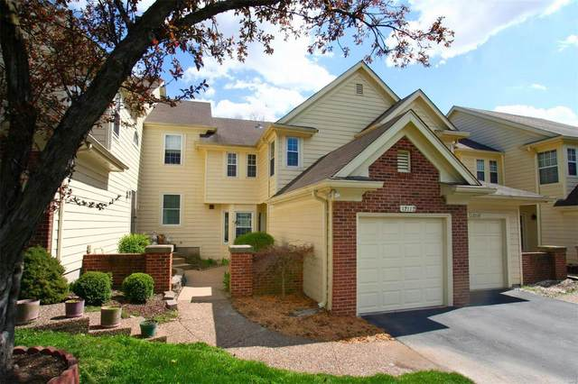 12112 Autumn Lakes Drive, Maryland Heights, MO 63043 (#20020940) :: Sue Martin Team