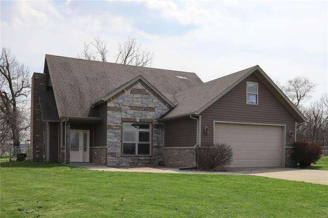 19980 Divine Road, Lebanon, MO 65536 (#20021029) :: St. Louis Finest Homes Realty Group