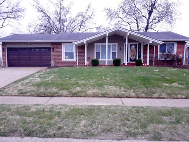 2440 Cambridge Drive, Florissant, MO 63033 (#20021846) :: Sue Martin Team