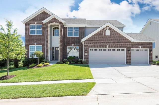 16952 Pine Summit Drive, Chesterfield, MO 63005 (#20024802) :: The Becky O'Neill Power Home Selling Team