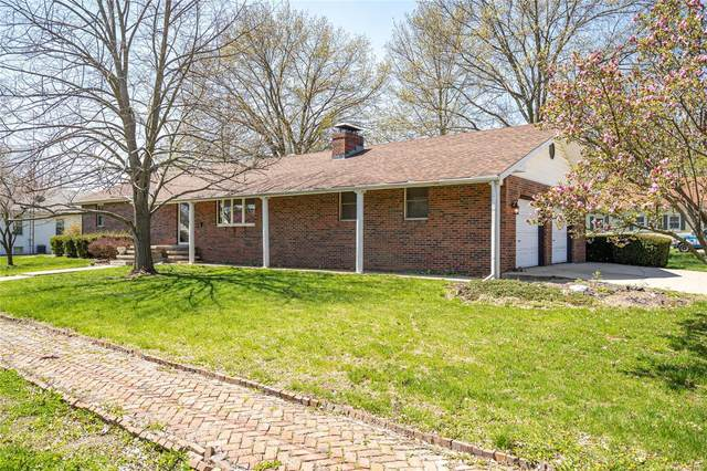 404 S Locust Street, CARLINVILLE, IL 62626 (#20024825) :: Tarrant & Harman Real Estate and Auction Co.