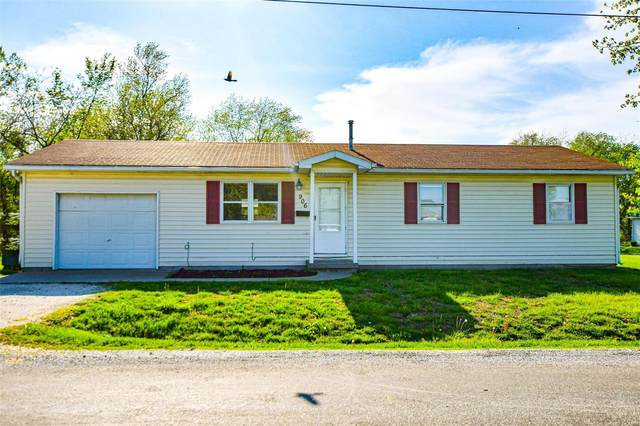 906 High Street, Jerseyville, IL 62052 (#20026701) :: Tarrant & Harman Real Estate and Auction Co.