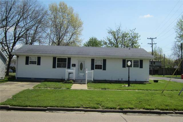 1002 N 6th, Vandalia, IL 62471 (#20029256) :: St. Louis Finest Homes Realty Group