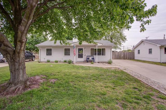 550 N Brushey Grove Avenue, Wood River, IL 62095 (#20029744) :: Tarrant & Harman Real Estate and Auction Co.