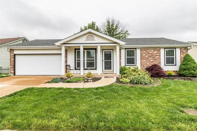 563 Summit Hills Drive, Fenton, MO 63026 (#20030152) :: The Becky O'Neill Power Home Selling Team