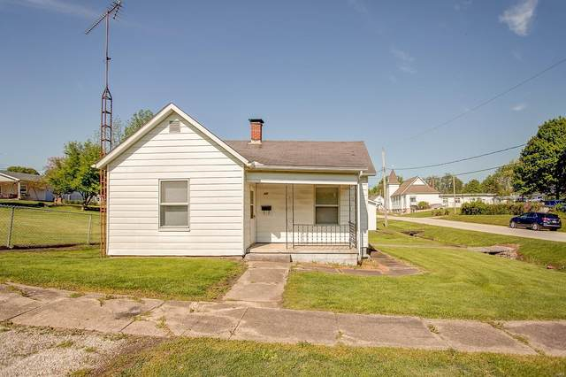 300 S Fourth, BENLD, IL 62009 (#20030695) :: RE/MAX Professional Realty