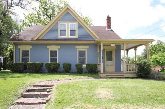 219 W Elm Street, Alton, IL 62002 (#20030947) :: Kelly Hager Group   TdD Premier Real Estate