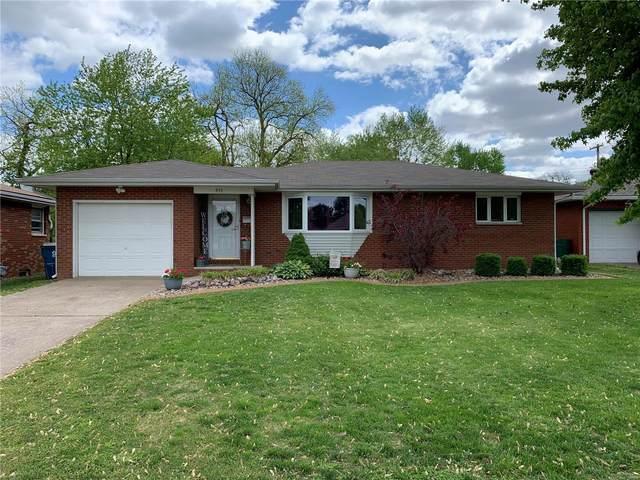 955 Cedar Drive, Wood River, IL 62095 (#20031148) :: Tarrant & Harman Real Estate and Auction Co.