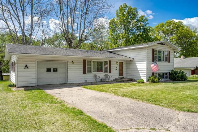 8 Crestwood Drive, CARLINVILLE, IL 62626 (#20031839) :: Tarrant & Harman Real Estate and Auction Co.