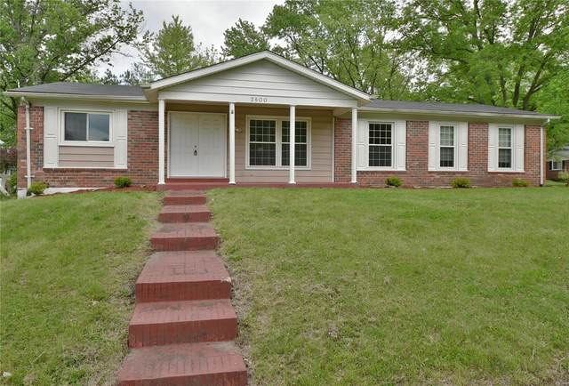 2800 Wellington Drive, Florissant, MO 63033 (#20032496) :: The Becky O'Neill Power Home Selling Team