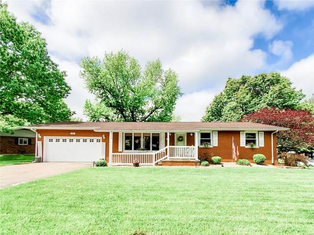 200 Whispering Oaks Drive, Bethalto, IL 62010 (#20033706) :: Tarrant & Harman Real Estate and Auction Co.