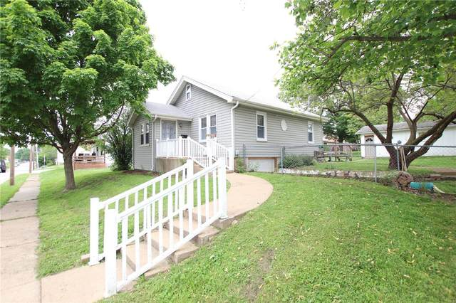 206 S Walnut Street, Owensville, MO 65066 (#20033811) :: The Becky O'Neill Power Home Selling Team