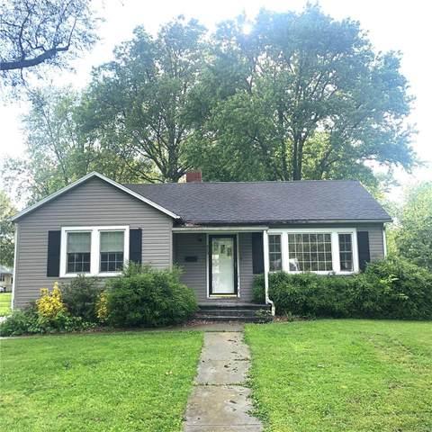 713 S Moore Street, NASHVILLE, IL 62263 (#20034617) :: Matt Smith Real Estate Group