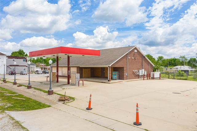 200 S Main Street, SORENTO, IL 62086 (#20034704) :: The Becky O'Neill Power Home Selling Team